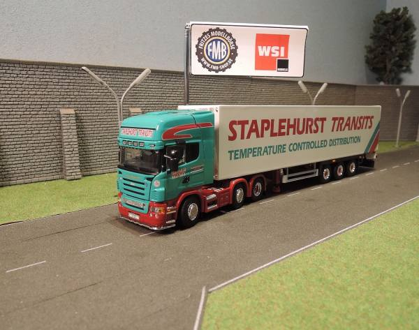 02-1699 - WSI - Scania R5 TL 6x2 mit 3achs Kühlauflieger - Staplehurst - UK -