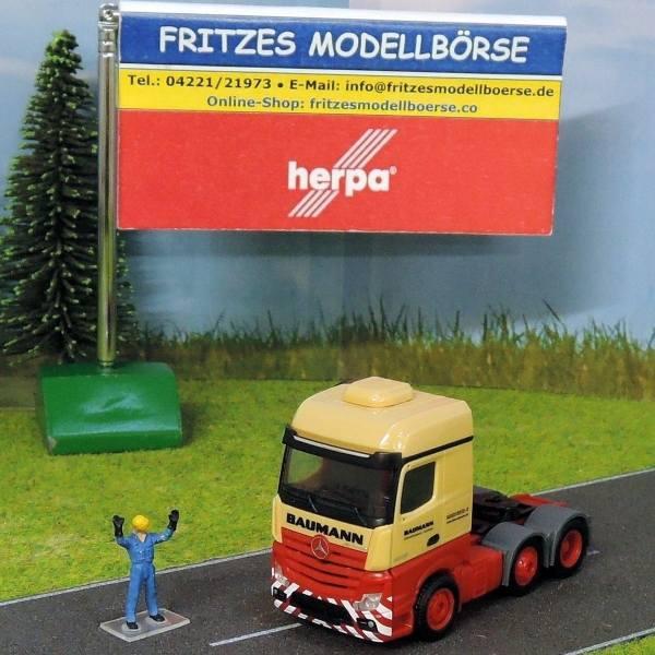 921077 - Herpa - Mercedes-Benz Actros 2545 Euro6 BigSpace 6x2 Zugmaschine -Baumann-