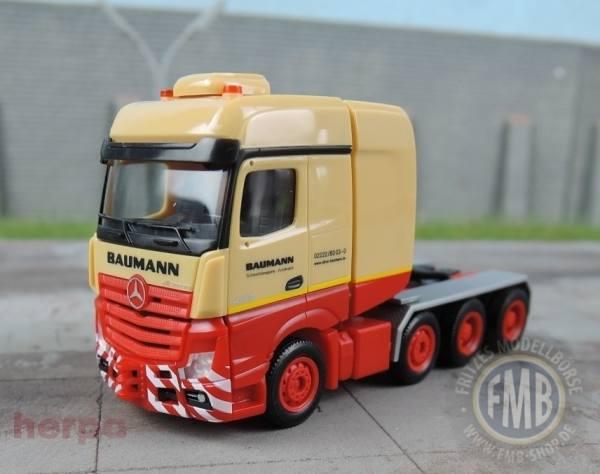 """929899 - Herpa - Mercedes-Benz Actros BigSpace SLT Schwerlast-Zugmaschine """"Baumann"""""""