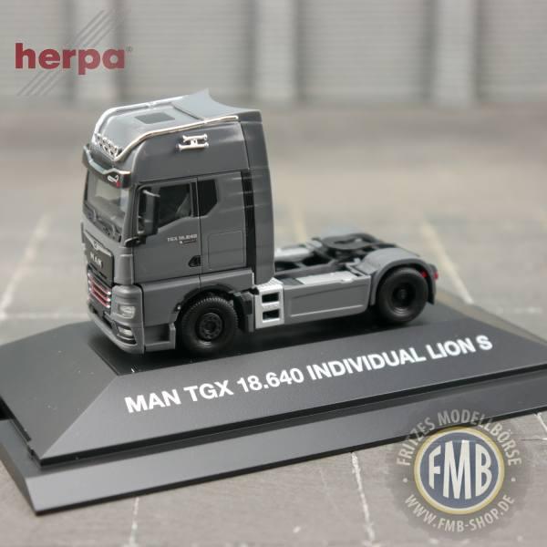 "944335 - Herpa - MAN TGX GX 18.640 Zugmaschine ""Individual Lion S"" - PC"