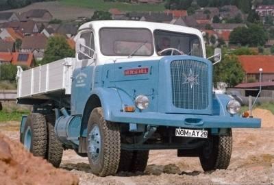 G0004533 - GMTS - Henschel HS 140 4x2 Kipper -blau/weiß -