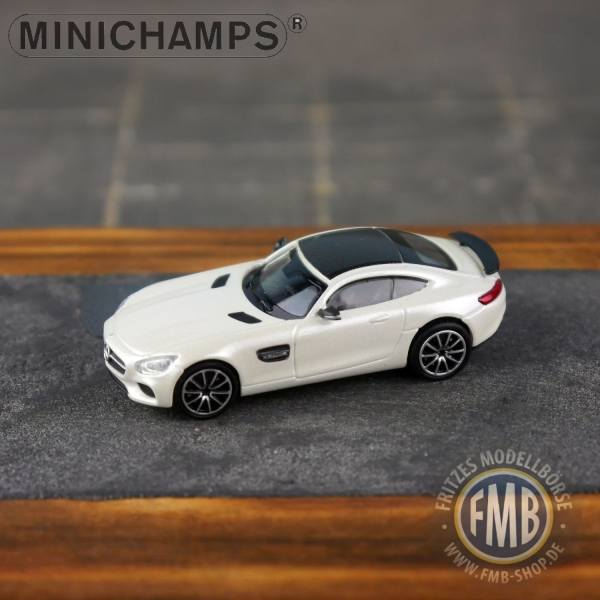 037122 - Minichamps - Mercedes-Benz AMG GT-S (2015), perlmuttweiß metallic