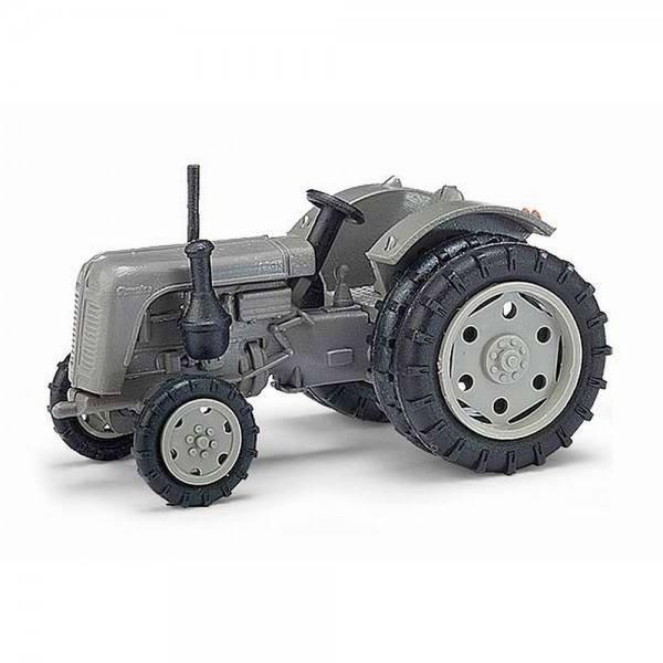 210 009002 - Busch - Famulus Traktor mit Zwillingsreifen -grau- (Baujahr 1956-1961) DDR