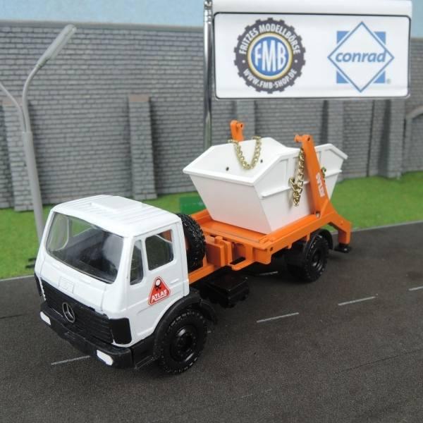 3267 - Conrad - Mercedes-Benz NG''74  mit Atlas Absetzcontainer, weiß/orange