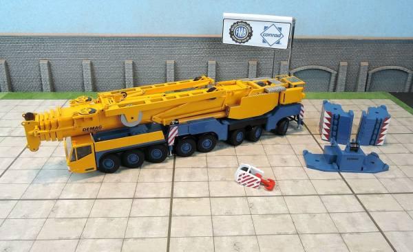 2098/17 - Conrad - Demag AC 500-2 SSL-Class Mobilkran, gelb/blau