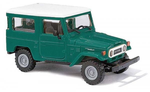 43031 - Busch - Toyota Land Cruiser J4 - grün/weiß