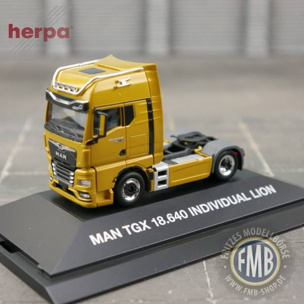 "944137 - Herpa - MAN TGX GX 18.640 Zugmaschine ""Individual Lion"" - PC"