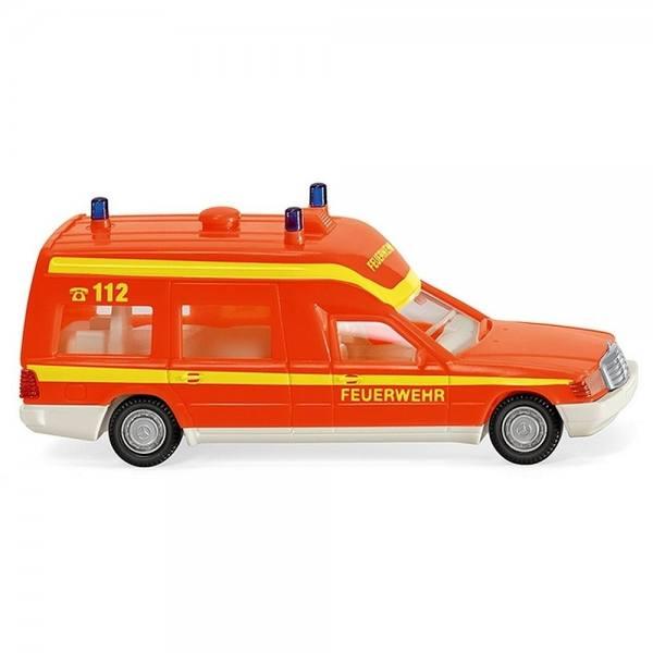 """060701 - Wiking - Mercedes-Benz W124 Binz Krankenwagen """"Feuerwehr"""", tagesleuchtrot"""