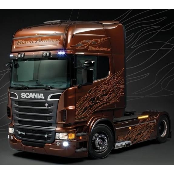 3897 - Italeri - Bausatz - Scania R730 V8 2achs Zugmaschine - Black Amber - mit Decals- 1:24