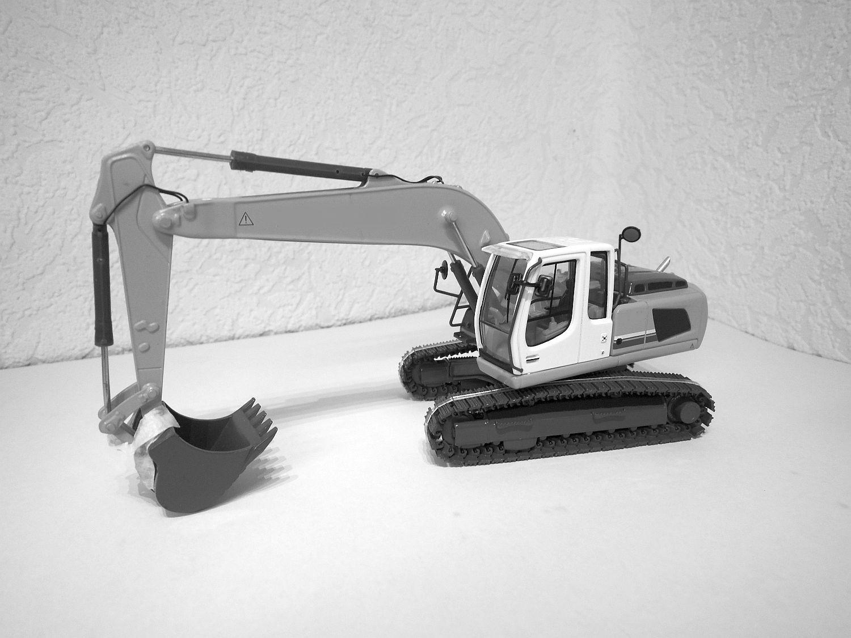 kettenbagger bagger baumaschinen modelle 1 50. Black Bedroom Furniture Sets. Home Design Ideas