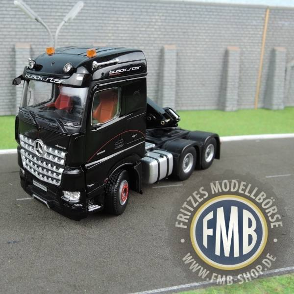 33-0096 - IMC - Mercedes-Benz Actros StreamSpace 6x4 mit Hiab Ladekran - Black Star Edition