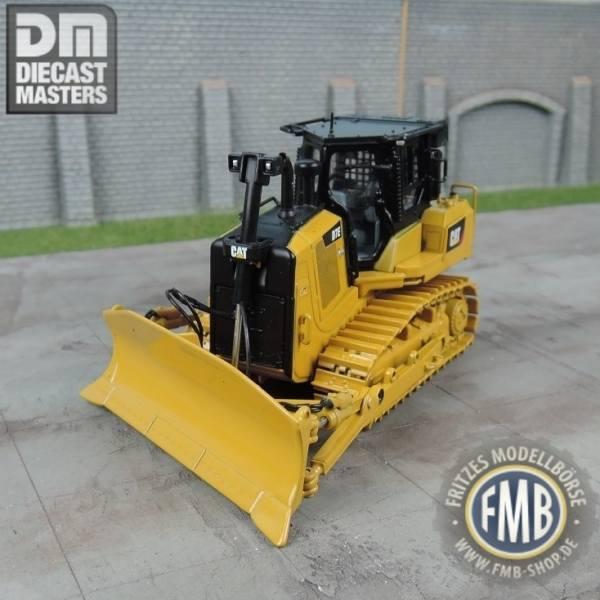 85555 - Diecast Masters - CAT D7E Raupe Kettendozer mit Rohrleger Konfiguration
