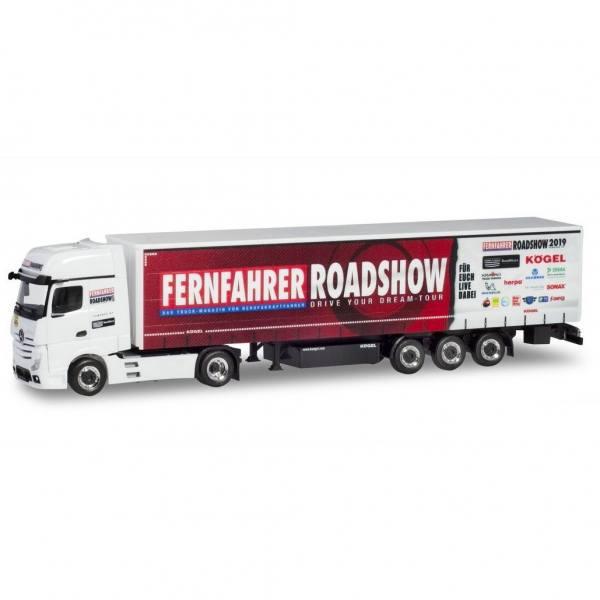 """937078 - Herpa - Mercedes-Benz Actros GigaSpace Gardinenplanen-Sattelzug """"Fernfahrer Roadshow"""""""