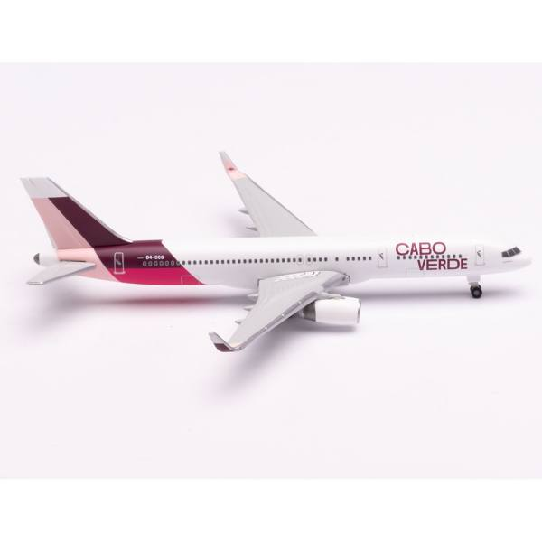 534598 - Herpa Wings - Cabo Verde Airlines Boeing 757-200 - Island of Santiago colors -
