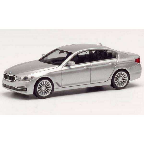 430692-002 - Herpa - BMW 5er Limousine (G30), glaciersilber metallic