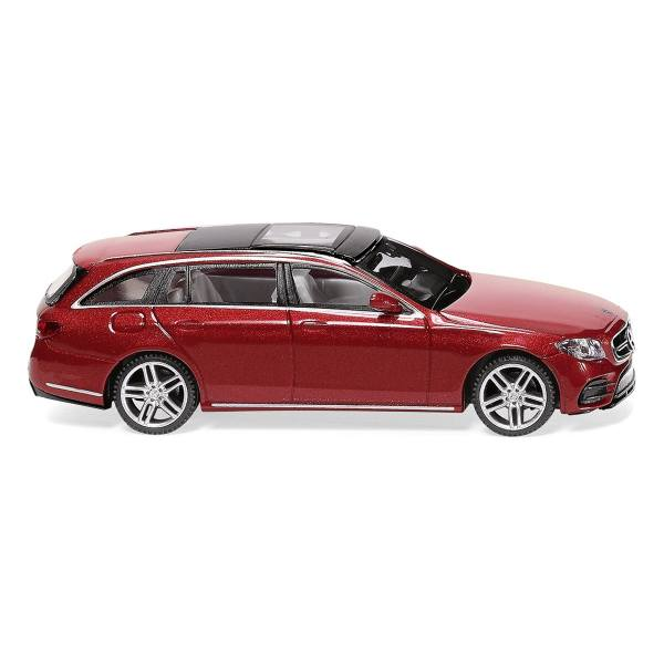 022712 - Wiking - Mercedes-Benz E-Klasse T (S213) AMG - hyacinthrot metallic