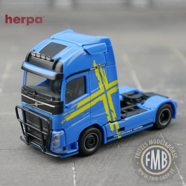 944038 - Herpa - Volvo FH Globetrotter XL Solo-Zugmaschine, blau - Volvo Performance Line