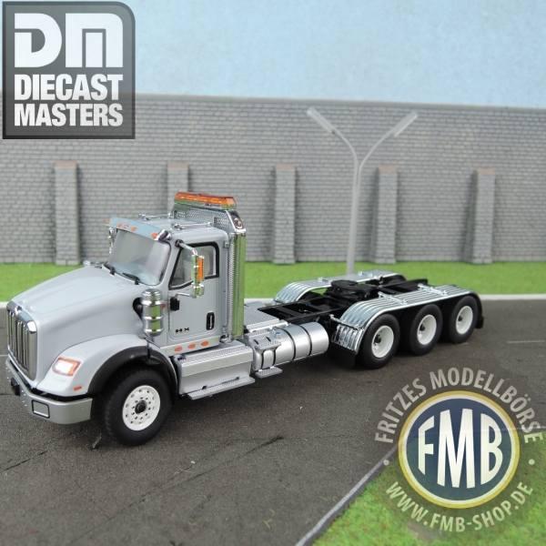 71011 - Diecast Masters - International HX620 4achs Zugmaschine, hell grau