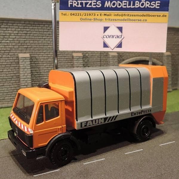 3033 - Conrad - Mercedes-Benz SK mit Faun Rotopress Müllaufbau