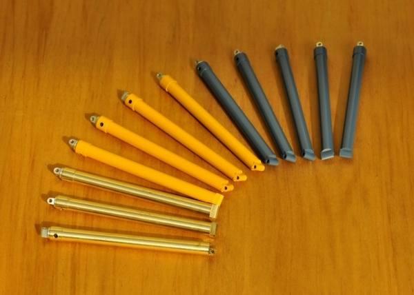 YC876-1 - YCC Models - Metallzylinder für DEMAG AC 250-5 - gelb RAL1007 - 1 Stk.