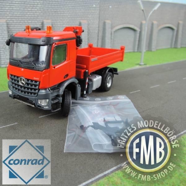 78165/03 - Conrad - Mercedes-Benz Arocs M 4x4 2achs 3-Seitenkipper mit Ladekran, rot