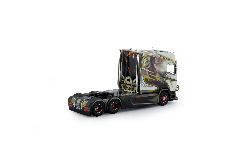 71524 - Tekno - Scania S500 HL Longline 6x2 tractor 3axle - Laröd Akeri /  Mockingjay- S -
