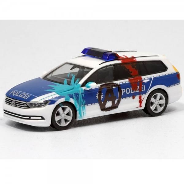 """929356AW - Herpa - VW Passat Variant B8 - Funkstreifenwagen """"Bundespolizei - Farbbeutelwurf"""""""