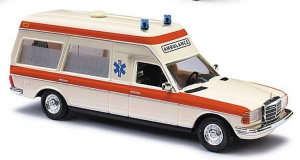 """522001 - Busch - Mercedes-Benz VF 123 Krankenwagen `77 """"Ambulance Holland"""" NL"""