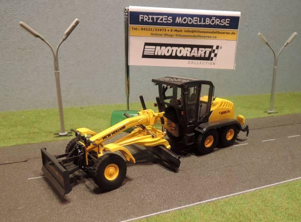 13785 - Motorart - New Holland F156.7 Motorgrader