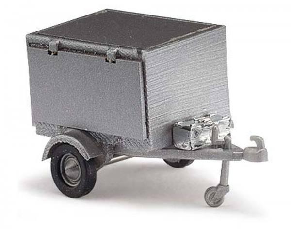 59955 - Busch - Hundetransport-Anhänger mit Seitenklappe und Hund, silber
