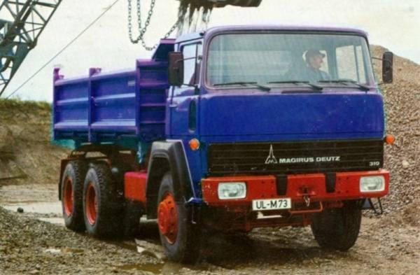 G0008420 - GMTS - Magirus 310D26 6x4 Dreiseitenkipper blau mit rotem Chassis