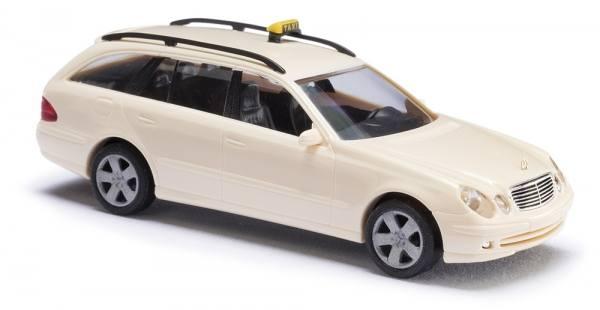 "49466 - Busch - MB E-Klasse T-Modell ""Taxi"""