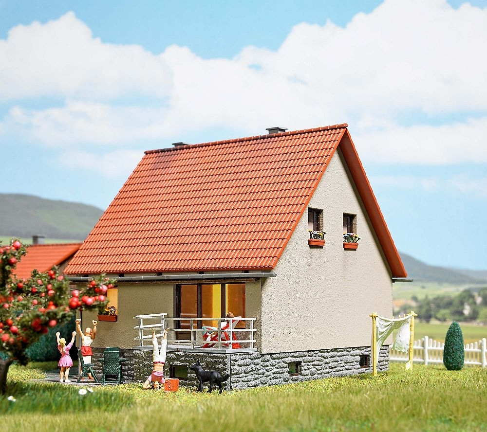 1449 busch einfamilienhaus ew 65 bausatz busch for Einfamilienhaus modelle