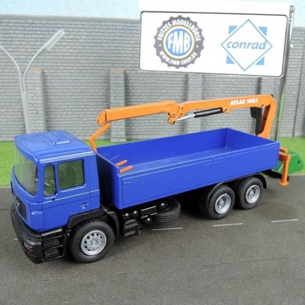 6199/02 - Conrad - MAN F2000 6x4 Pritsche mit Heckladekran Atlas 140.1 -blau-