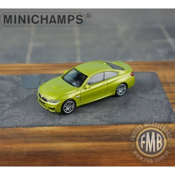 027200 - Minichamps - BMW M4 (2015), gelb metallic