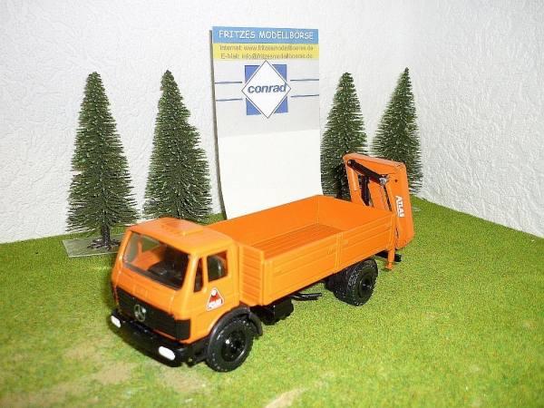 3061 - Conrad - Mercedes-Benz SK mit Atlas AK5007 Heckladekran -orange- ohne Karton