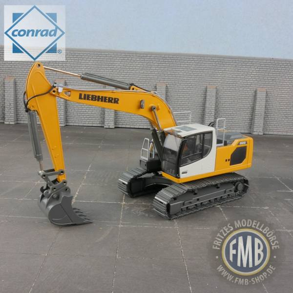 2214/0 - Conrad - Liebherr R 922 Litronic Kettenbagger